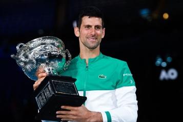 Classement de l'ATP Novak Djokovic égale une marque de Roger Federer)
