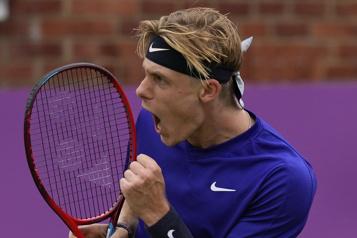 Tournoi du Queen's Denis Shapovalov qualifié pour les demi-finales)