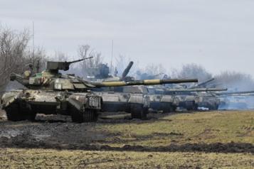 L'Ukraine accuse la Russie de vouloir la détruire)