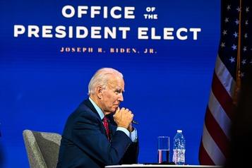Le futur gouvernement Biden se met en place sans attendre Trump)
