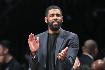 Kyrie Irving promet 1,5 million aux basketteuses refusant de jouer)