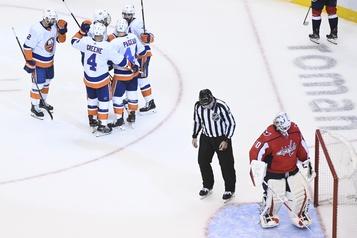 Les Islanders battent les Capitals 5-2)