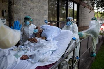 É.-U.: plus de 57000 infections à la COVID-19 en 24h, nouveau record)