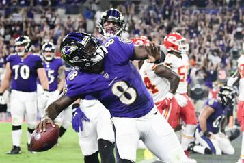 Lamar Jackson et les Ravens viennent à bout des Chiefs)