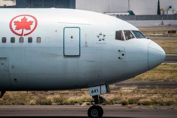 La COVID-19 détectée dans des vols intérieurs et internationaux au Canada)