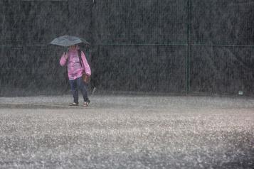 Pluie et vent au Québec et dans les Maritimes