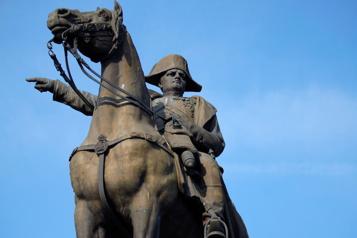 Commémoration de la mort de Napoléon Le «petit caporal» divise laFrance)