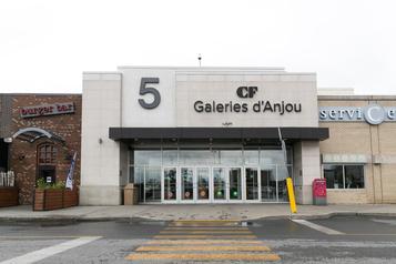 Conflit entre deux bandes Les Galeries d'Anjou évacuées, des «gaz irritants» utilisés)
