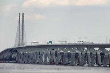 Une voie de moins vers le pont Samuel-DeChamplain pour tout l'été)