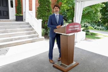 COVID-19: les Canadiens partagés sur l'aide fédérale, selon un sondage)