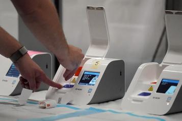 Dépistage de la COVID-19 Québec possède des milliers de tests rapides bientôt expirés)