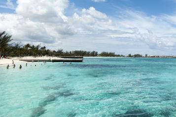 Les voyageurs américains et d'Amérique latine interdits d'entrée aux Bahamas)