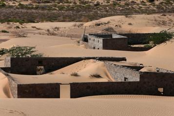 Oman redécouvre un village englouti par le désert)