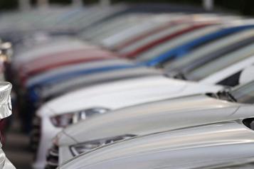 Recul des ventes de véhicules en février au Canada)