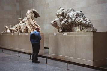 La Grèce réclame à nouveau à Londres la restitution des marbres du Parthénon )