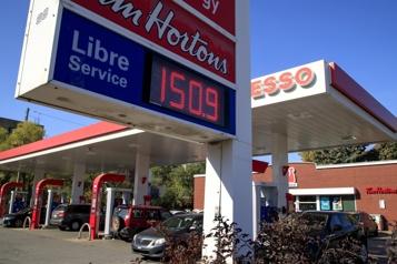L'essence à 1,49 $ à Montréal Le pétrole se maintient autour de ses nouveaux sommets