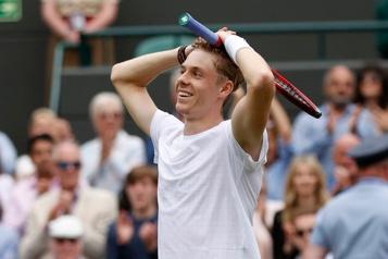 Wimbledon Face à Djokovic, Shapovalov veut déjouer les pronostics)