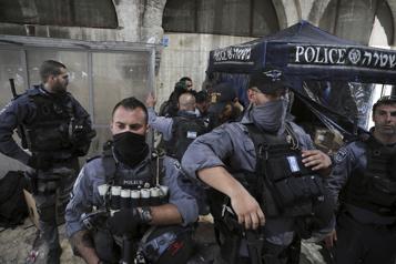 Esplanade des Mosquées Plus de 180blessés dans des heurts entre Palestiniens et police israélienne)