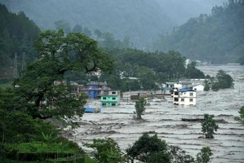 Au moins 13 morts dans des inondations au Bhoutan et au Népal)