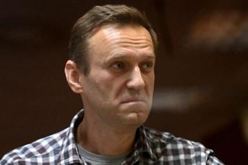 Navalny accuse Google et Apple d'être «complices» de Poutine)