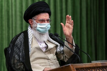COVID-19 en Iran: l'ayatollah Khamenei appelle à «sauver le pays»)