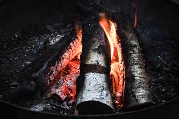 Interdiction de faire des feux à ciel ouvert dans certaines régions)