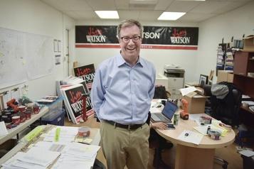 Le maire d'Ottawa Jim Watson annonce qu'il est gai