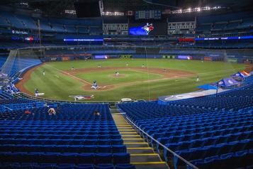 Rogers met son projet de stade à Toronto sur la glace)