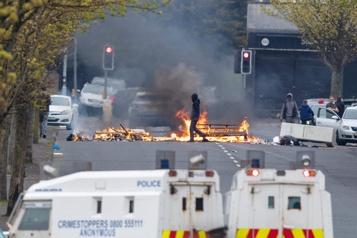 Irlande du Nord Après l'accalmie, les tensions se ravivent)