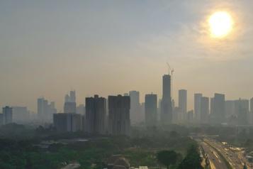 Pollution à Jakarta Le président indonésien jugé coupable de négligence)