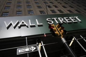Wall Street, aidée par les banques, finit dans le vert)