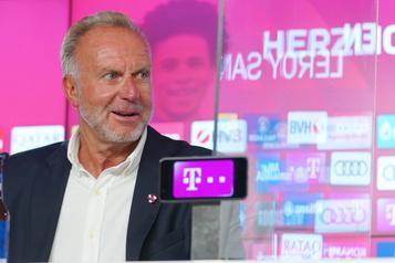 Soccer: soupçons de racisme au Bayern, le patron furieux contre un entraîneur)