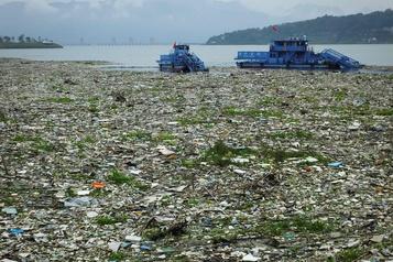 La Chine interdira totalement les importations de déchets dès 2021)