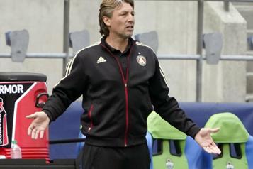 MLS Gabriel Heinze perd son poste à Atlanta)
