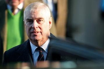 Affaire Epstein: le prince Andrew perplexe face aux appels à coopérer)