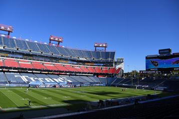 COVID-19 La NFL impose une amende de 350000$ aux Titans)