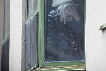 Sondage: la pandémie a des effets sur la santé mentale des Canadiens)