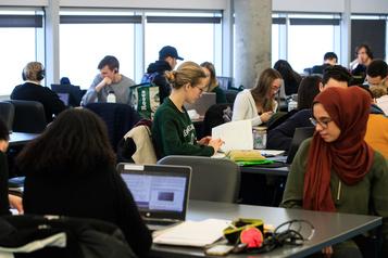 Femmes en génie: Polytechnique passe le cap du 30% d'étudiantes)