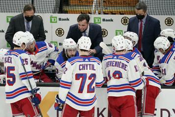 Les Rangers congédient David Quinn et trois adjoints)