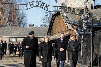 Angela Merkel à Auschwitz pour la première fois