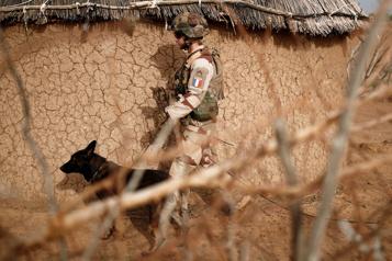 Attentat islamiste Mali: six soldats français blessés par un véhicule-suicide)