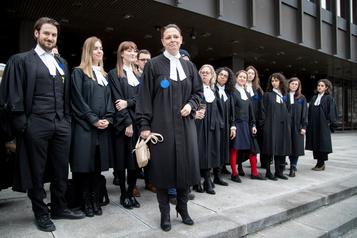 Aide juridique: les avocats augmentent la pression sur le gouvernement