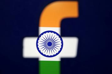 Des ONG appellent Facebook à ne pas être «complice» de violences en Inde)