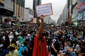 Thaïlande La contestation se poursuit dans la rue pour une quatrième journée de suite)