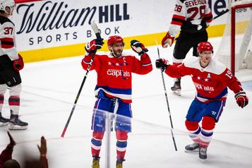 Ovechkin signe un 25e tour du chapeau et donne la victoire aux Capitals