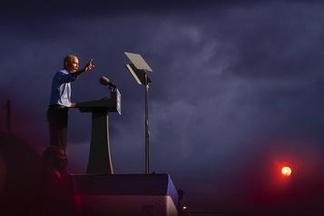 Obama appelle à oublier les sondages et à se mobiliser pour Biden)