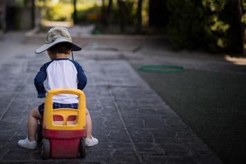 Enfants de la DPJ: passer d'une mère inapte à une grand-mère inapte?