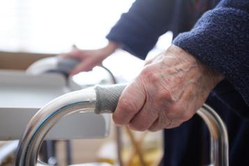 Rapport de l'ISQ Près de 80000 aînés ont subi de la maltraitance)