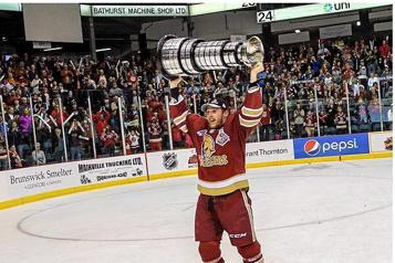 ECHL Les Lions ajoutent un autre champion à leur alignement)