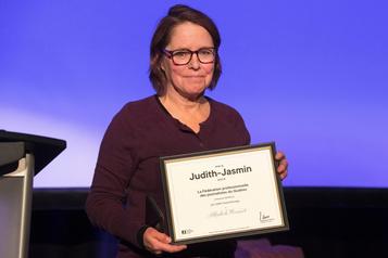 La journaliste de LaPresse Michèle Ouimet honorée parlaFPJQ